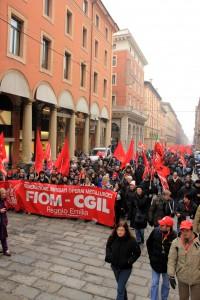 Un momento della manifestazione della FIOM-CIGL, a Bologna il 27 gennaio 2011