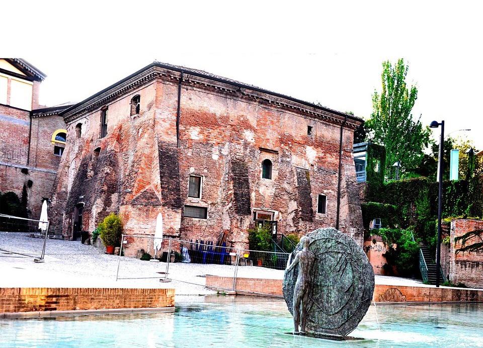 """La sede dell'Arcigay """"Il Cassero"""", Bologna"""